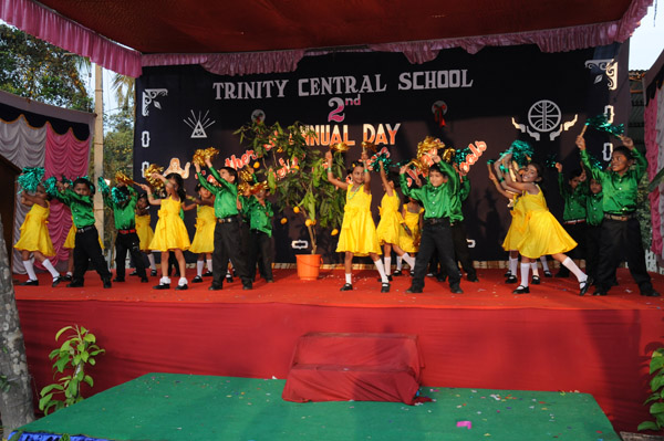 Pics for school stage decorations for annual day for Annual day stage decoration images