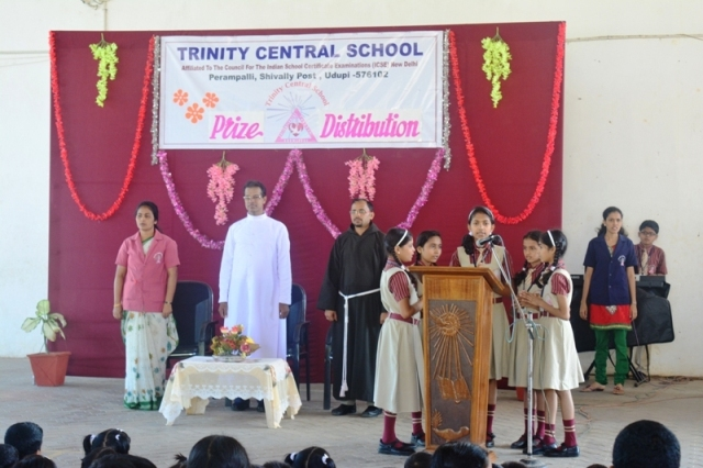 essay on prize distribution in our school The annual prize distribution function of our college was held on last saturday   the function in our school was held in the first week of july.